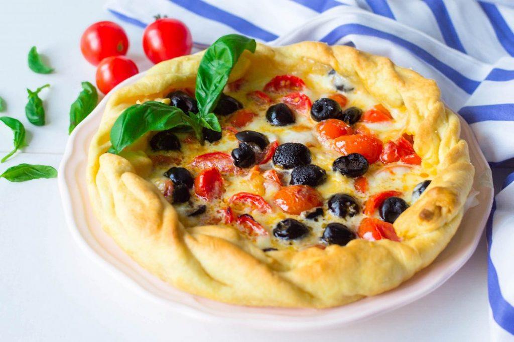 Torta rustica mozzarella e pomodorini
